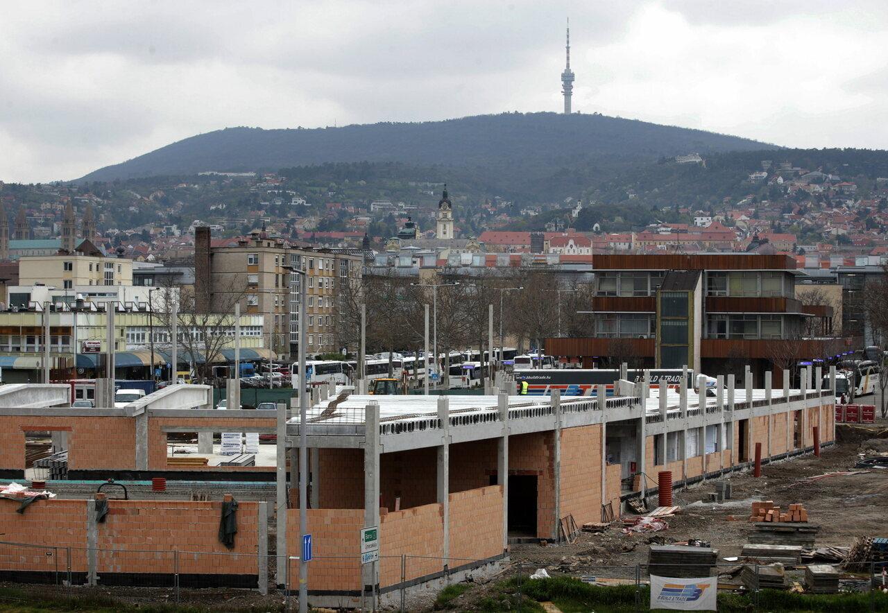Új vásárcsarnok épül Pécsen