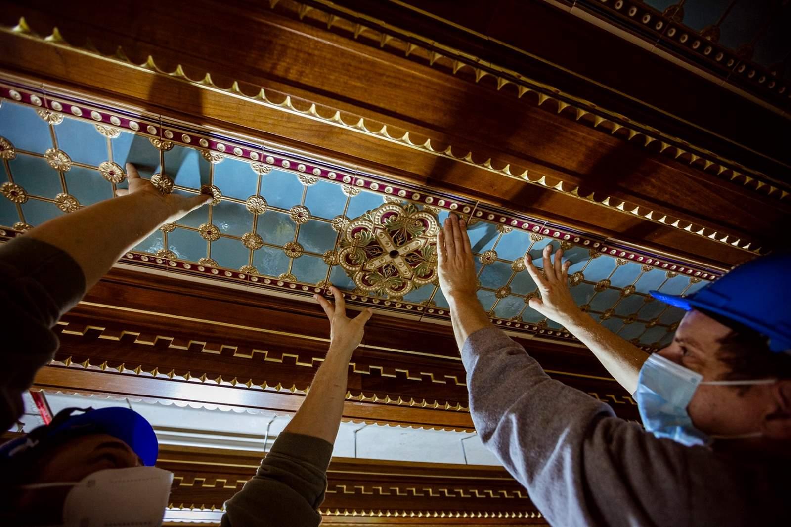 Budavári palota szent istván terem mennyezet munkálatok (Copy)