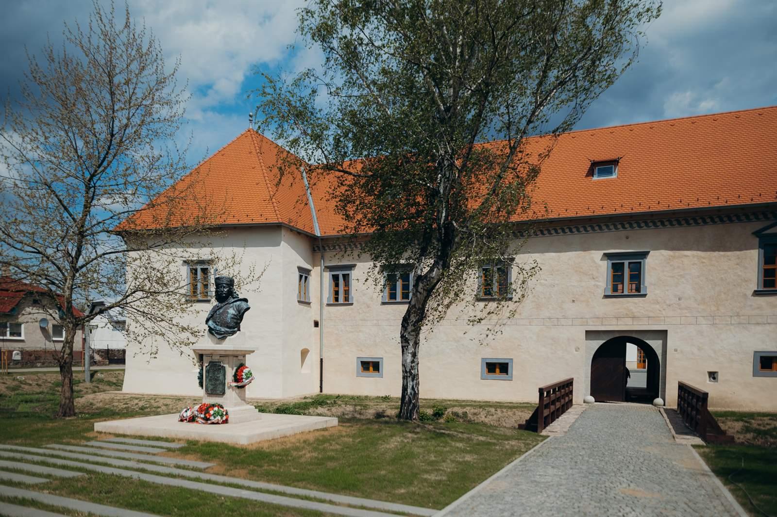 Borsi Rákóczi-várkastély