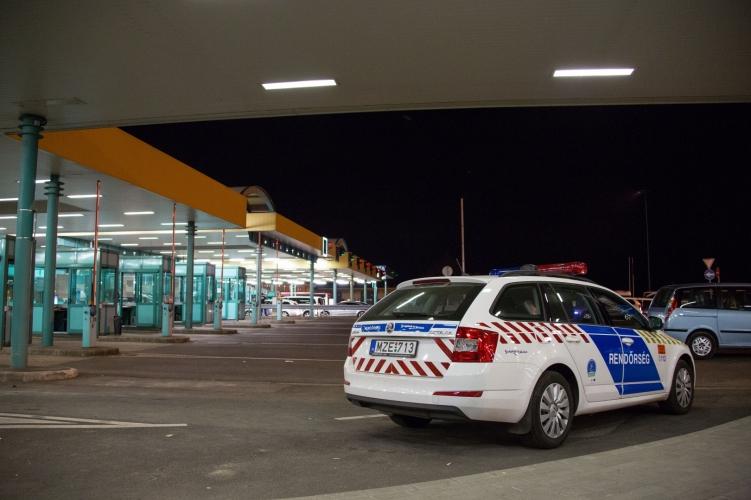 határ police