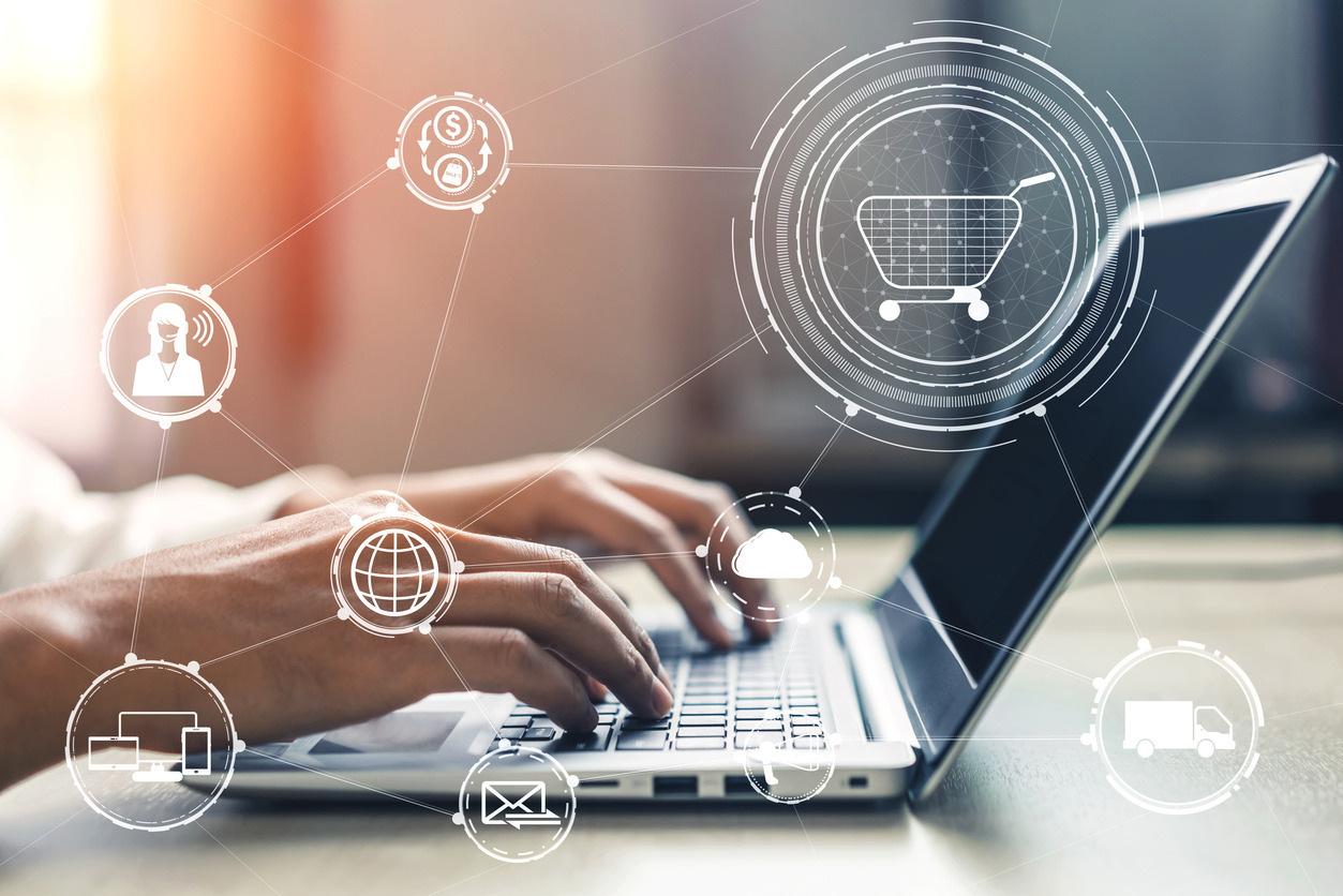 kiberbiztonsag-informatika-internet-laptop