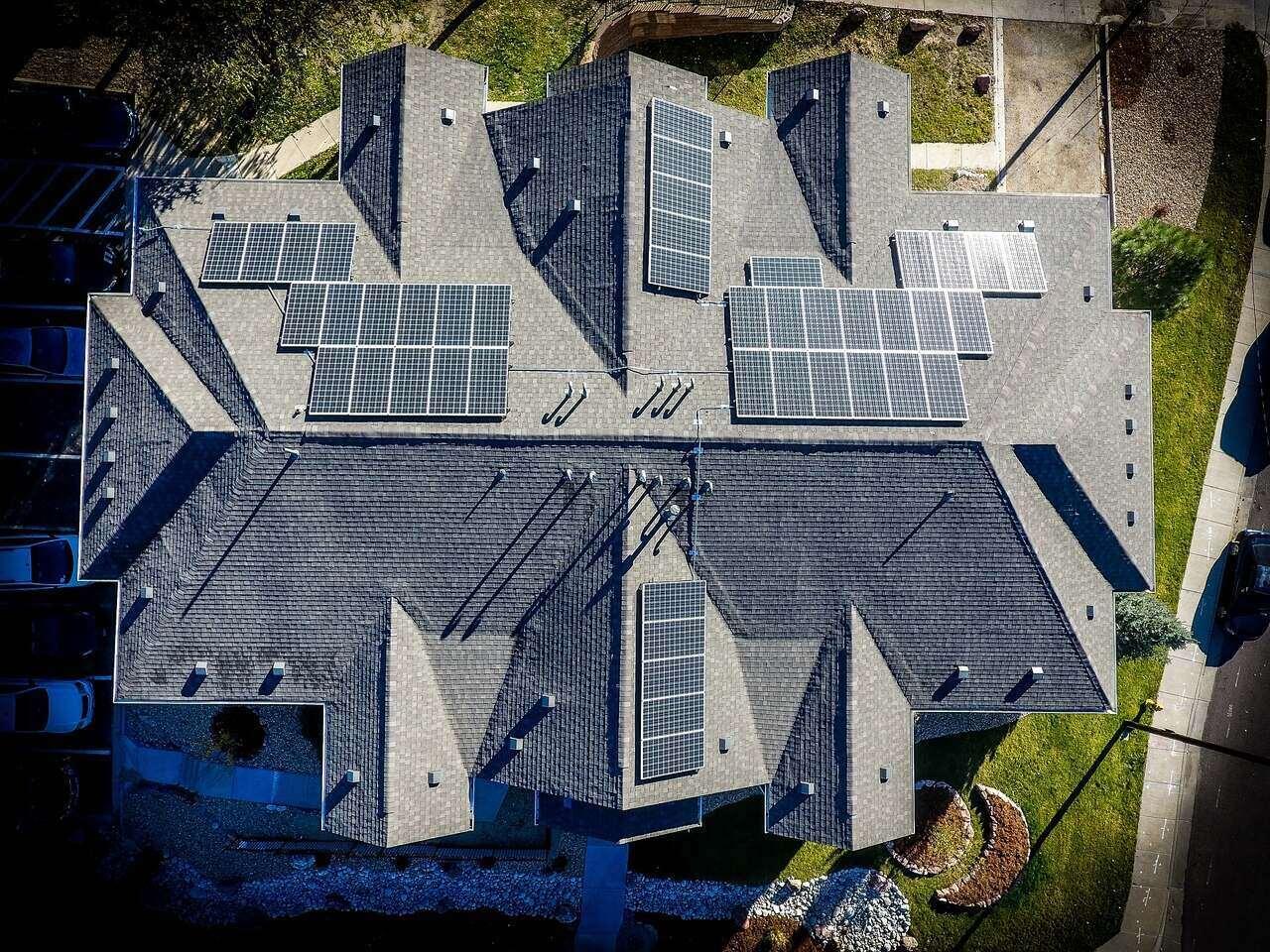 napelem_ház_tető