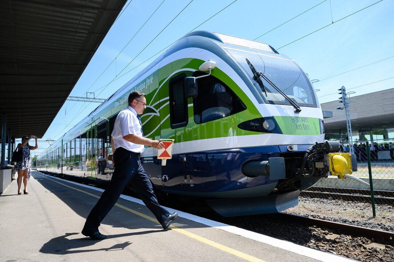 Átadták az észak-balatoni vasútvonal villamosított szakasz?