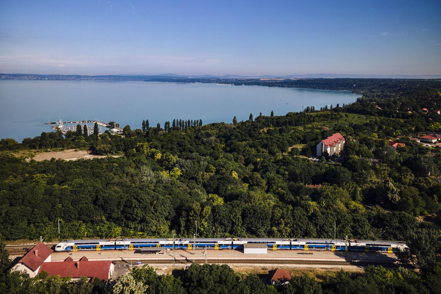 Balaton vonat vasút