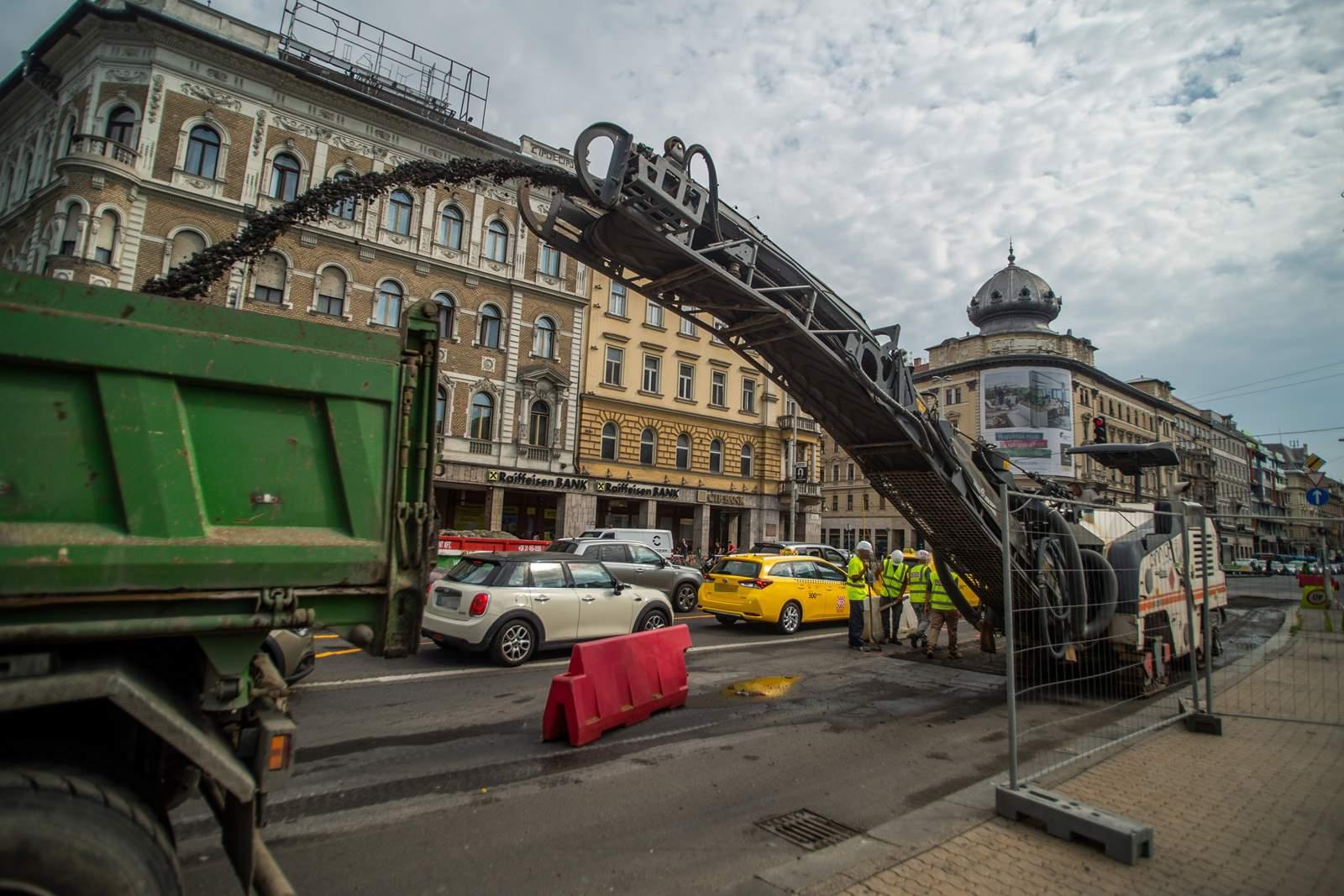 Blaha Lujza tér felújítás munka
