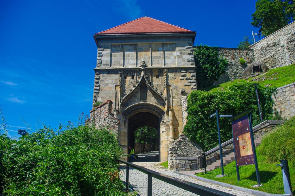 Zsigmond-kapu Pozsonyi vár