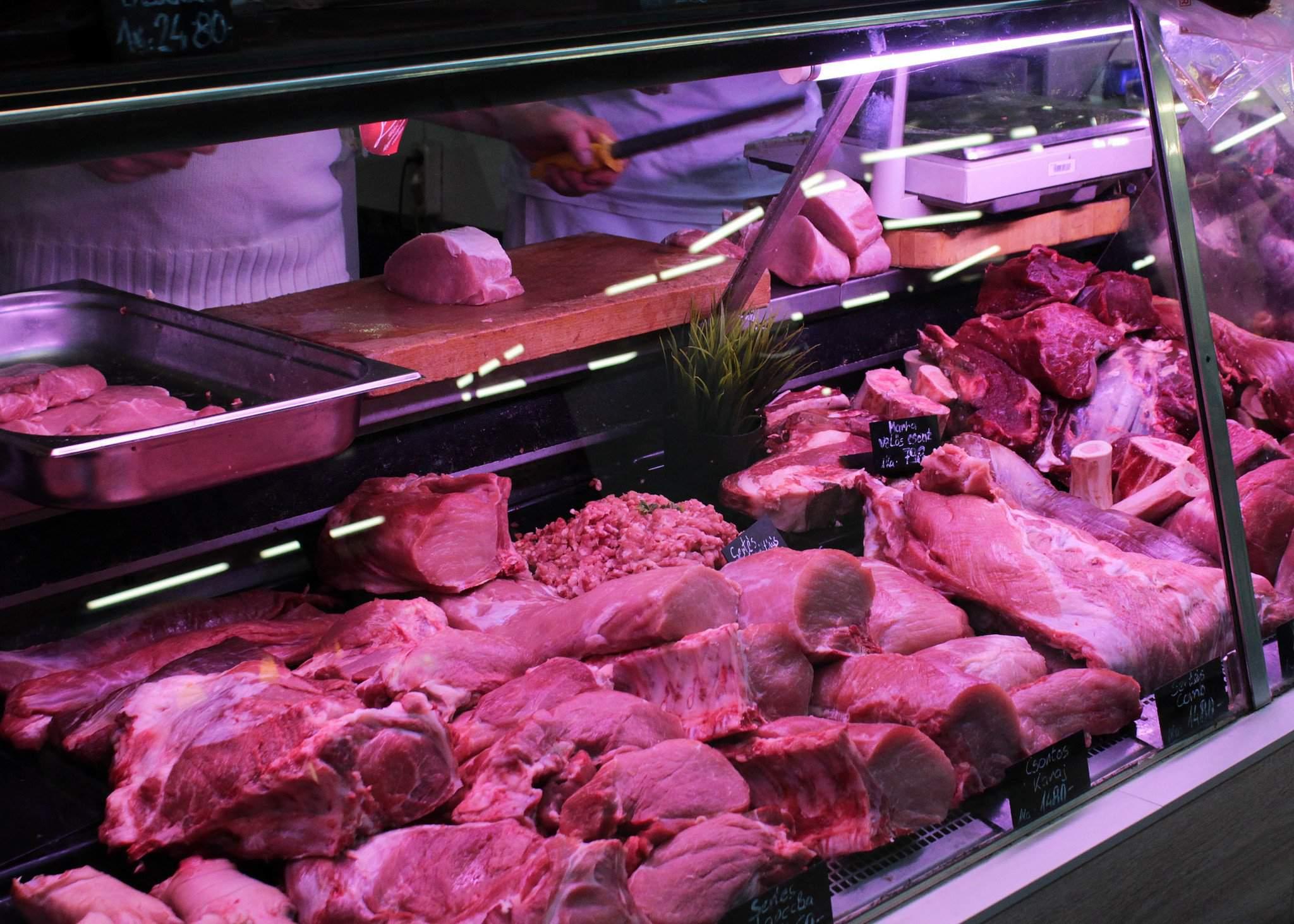 hentes hús piac