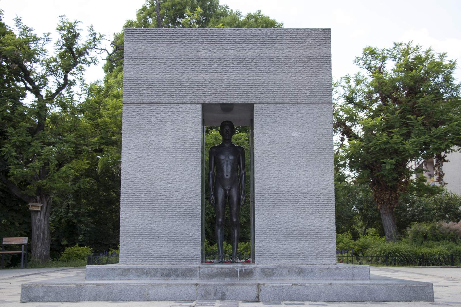 masfeld péter park szobor