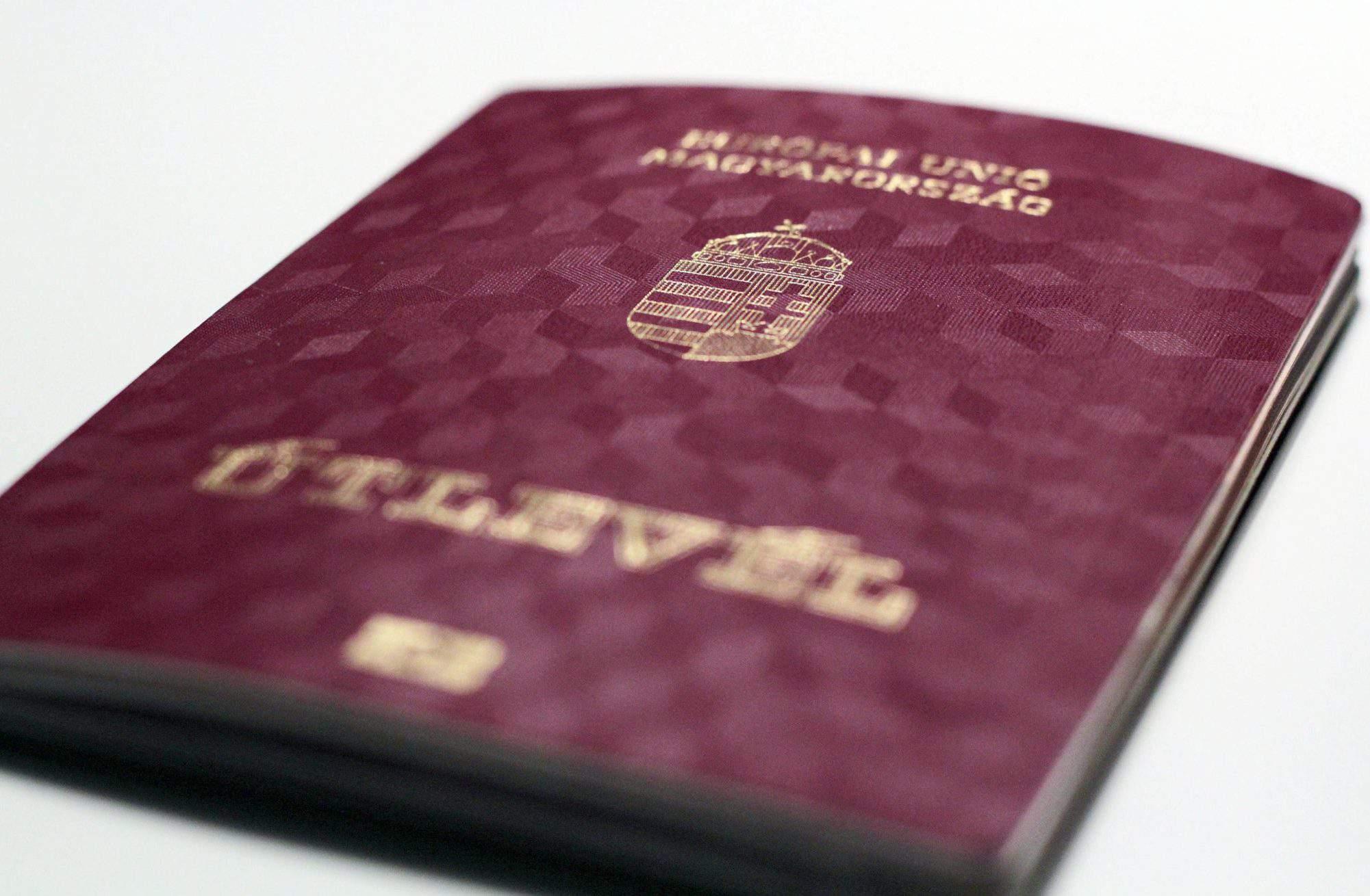 passport útlevél magyar