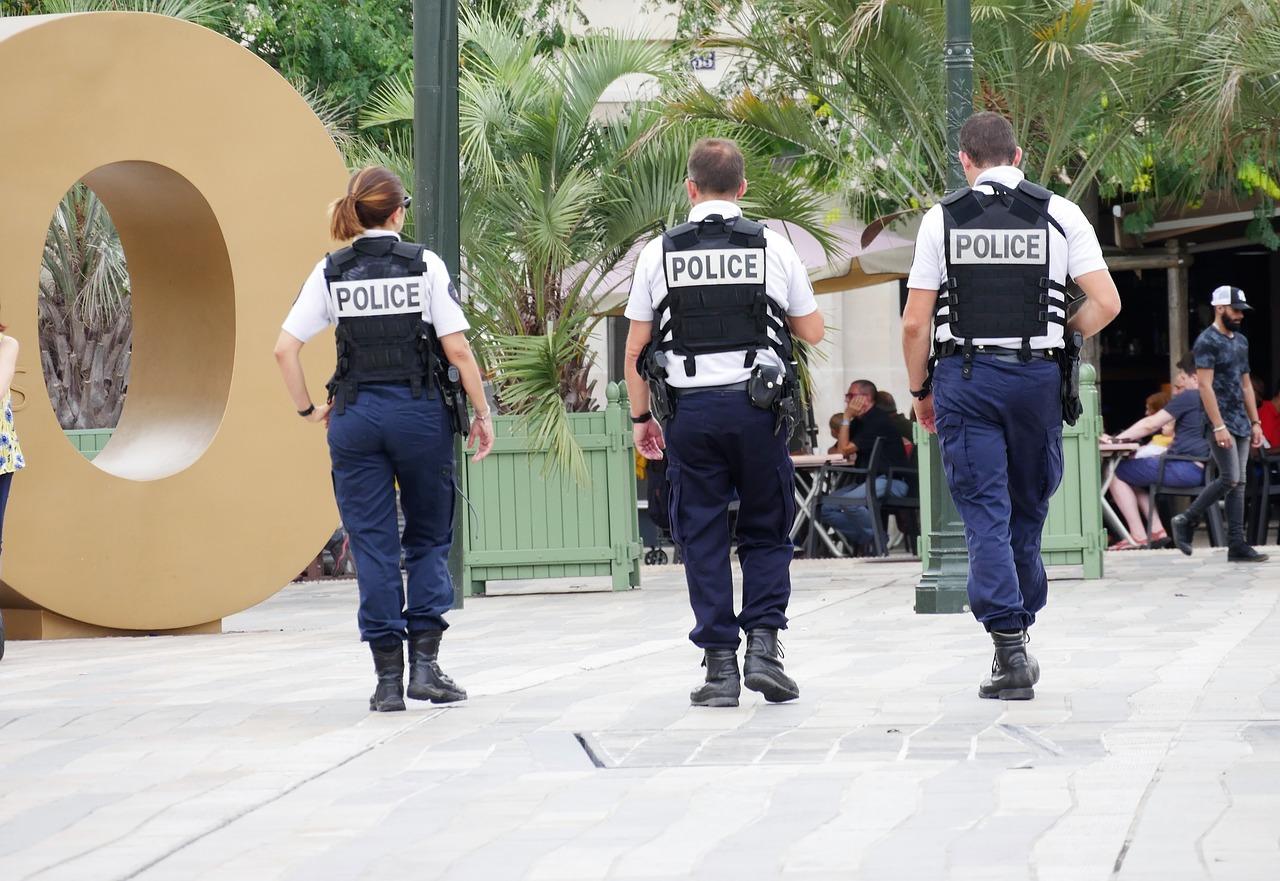 rendőrség külföld