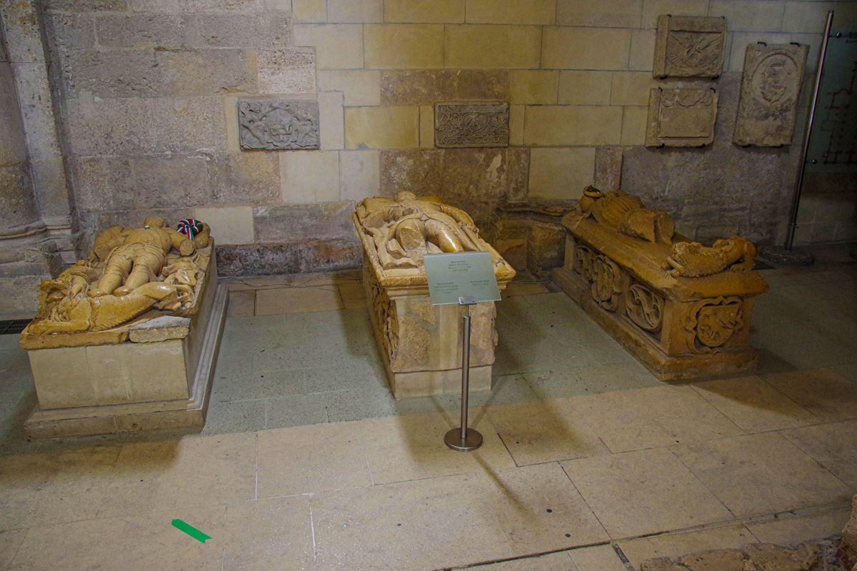 A Hunyadiak sírhelyei Gyulafehérváron