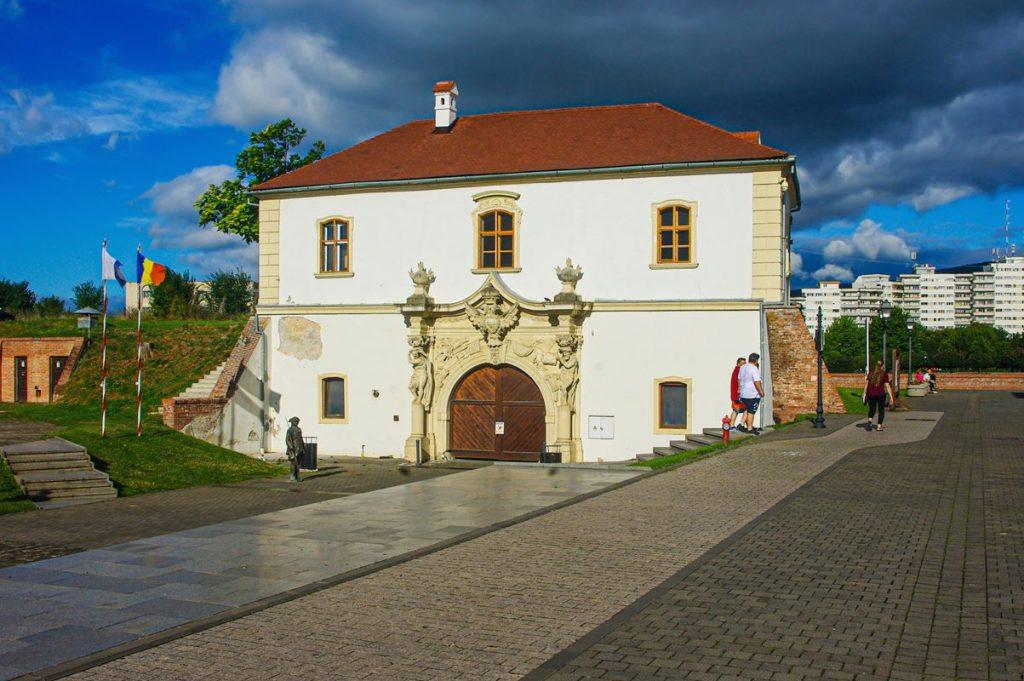 A gyulafehérvári Püspök-kapu