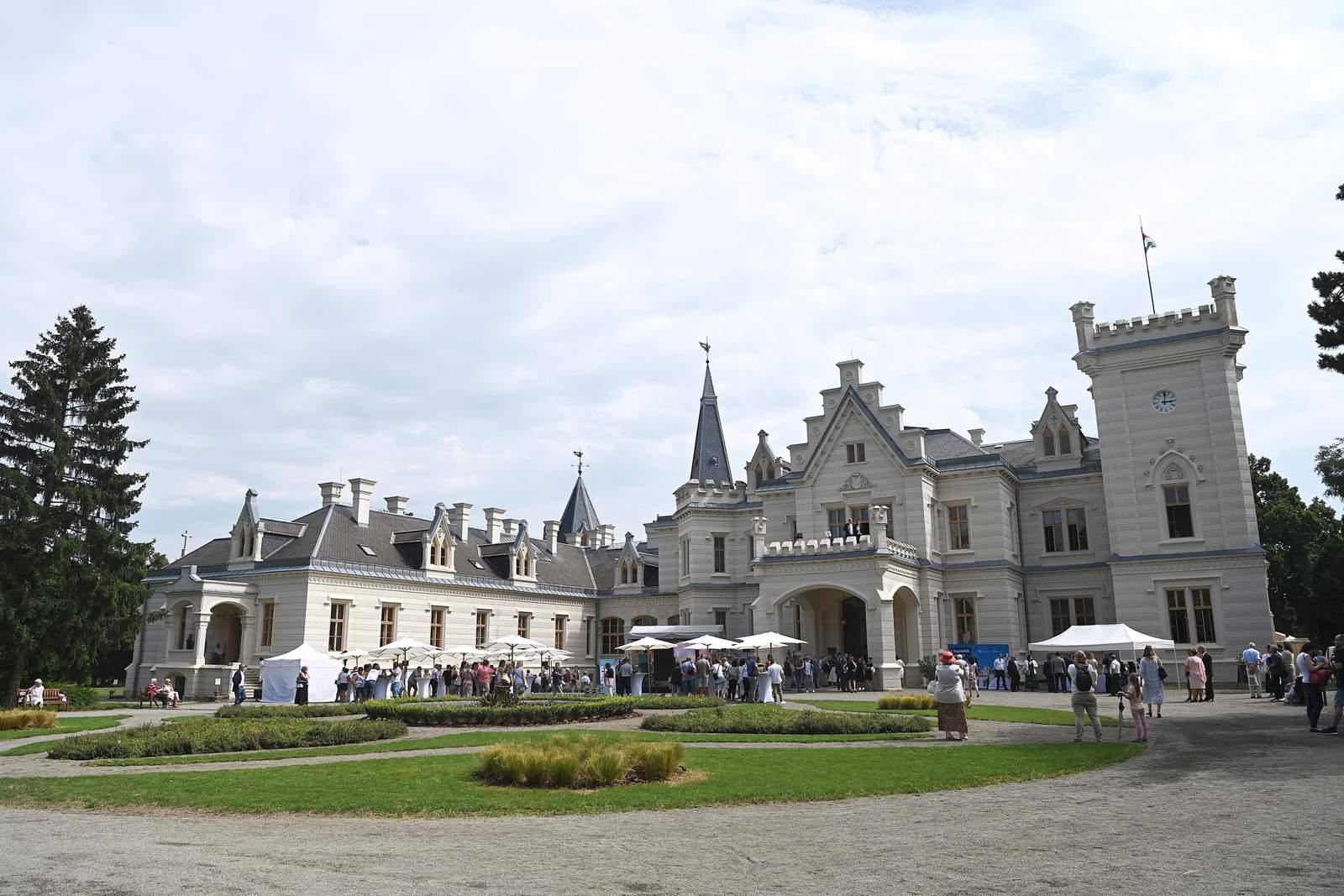 Nádasdladány, Nádasdy-kastély. Megújult a Nádasdy-kastély