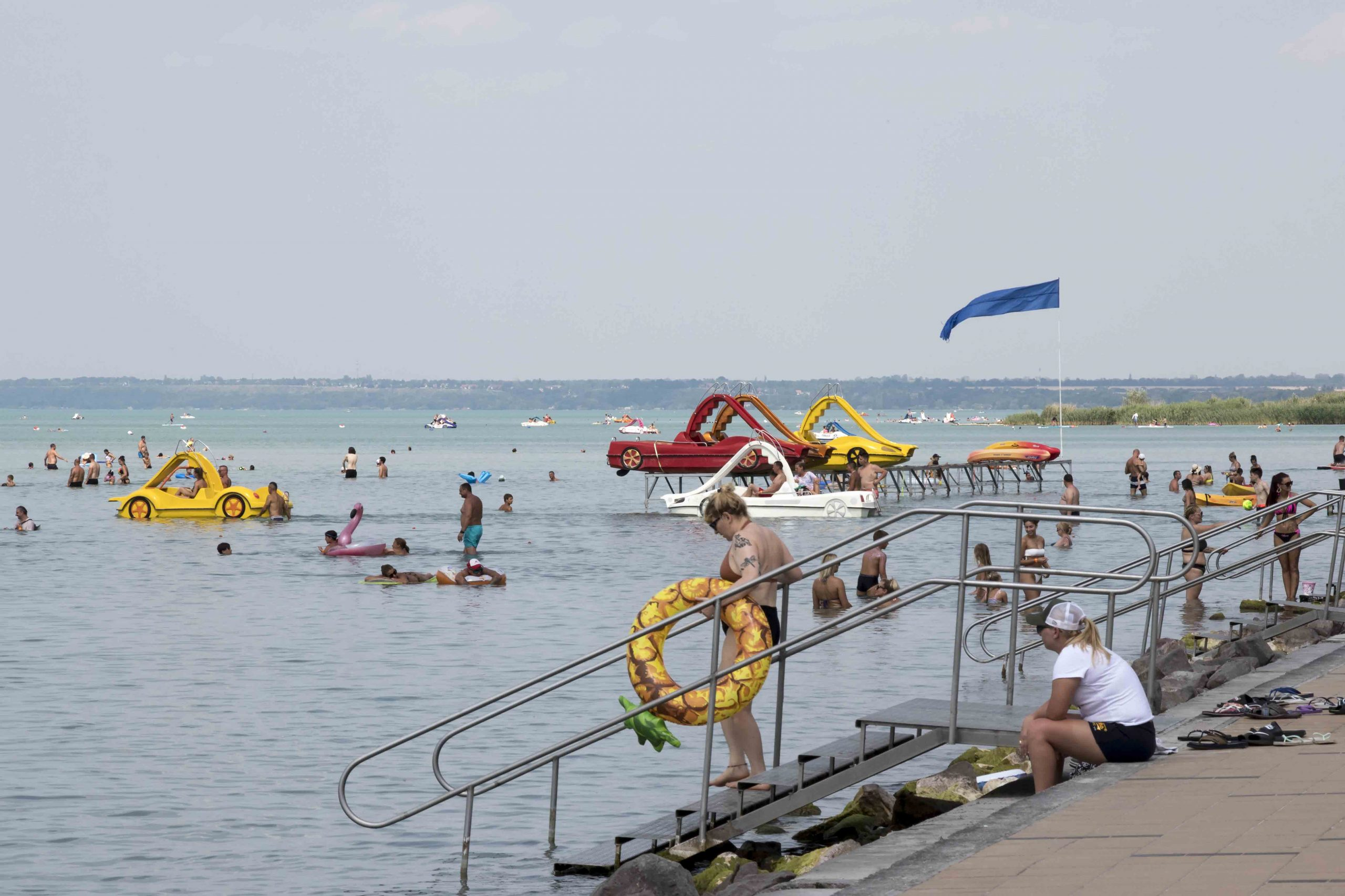balaton nyár siófok strand meleg