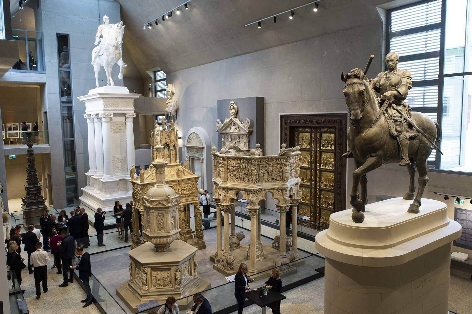 A felújított komáromi Csillagerődben látható a Szépművészeti Múzeum szobormásolatai – Helló Magyar