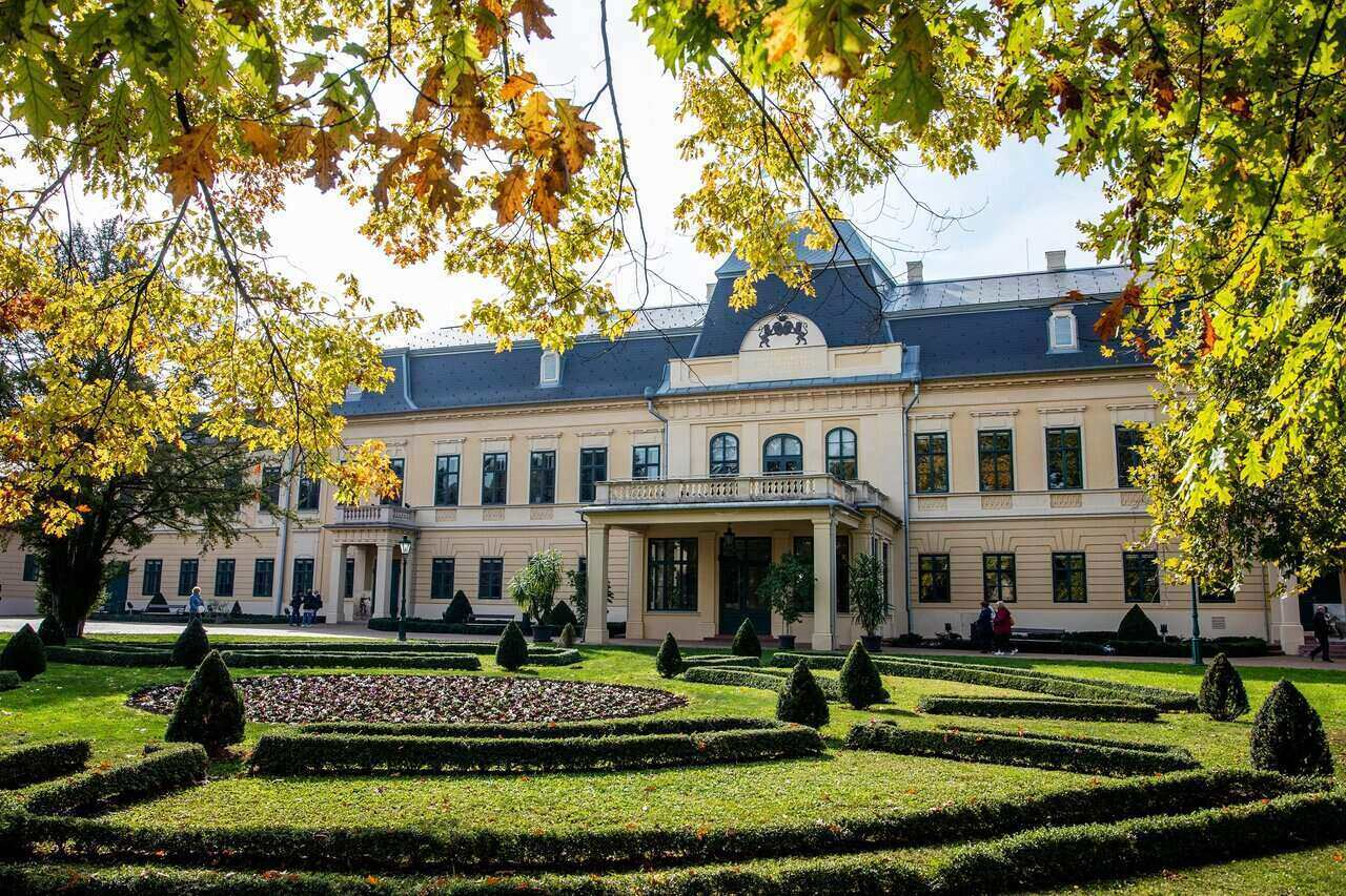 Almássy-kastély