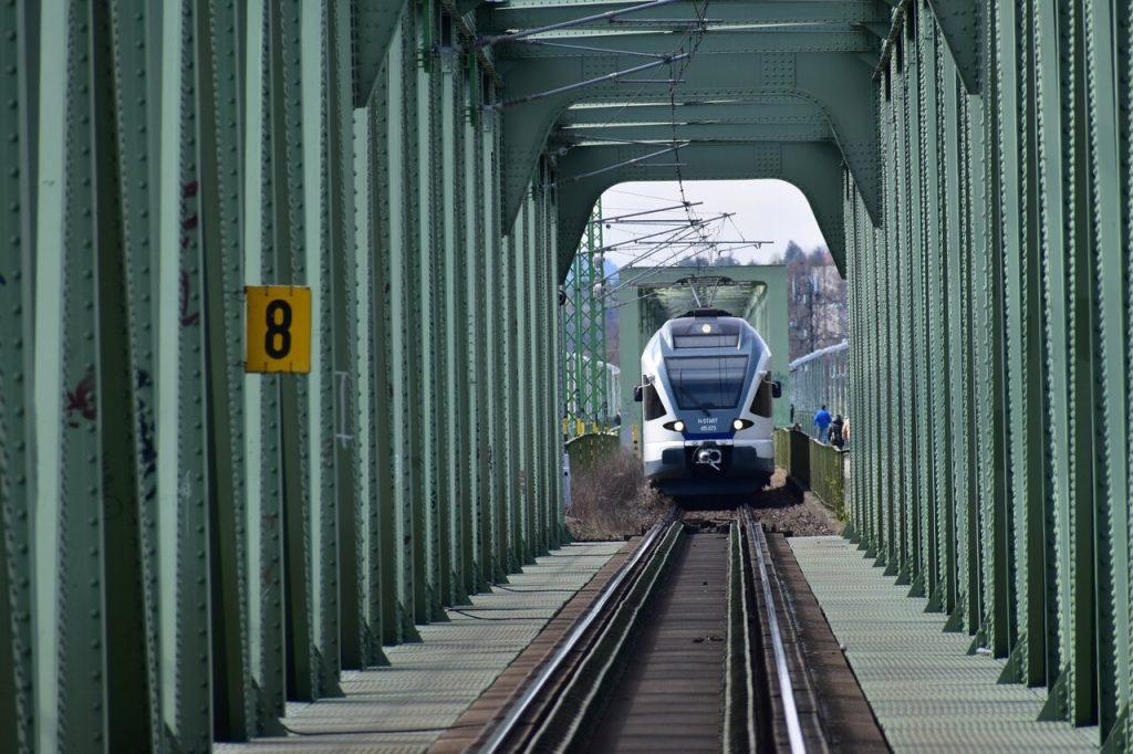 Újpesti vasúti híd